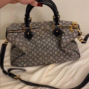 LV purse